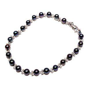 Black Pearl & Diamond Bracelet in 14k White Gold